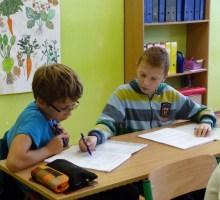 Čo ovplyvňuje vzťah detí ku škole?