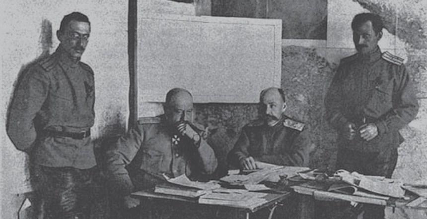 Генерал Н.Н. Юденич в штабе