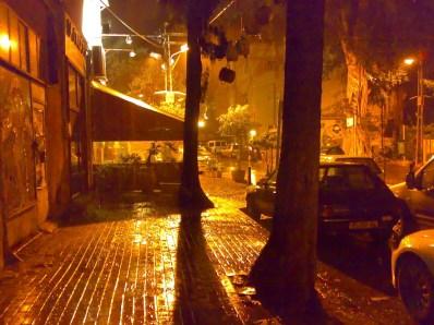 Улица Массада под дождём
