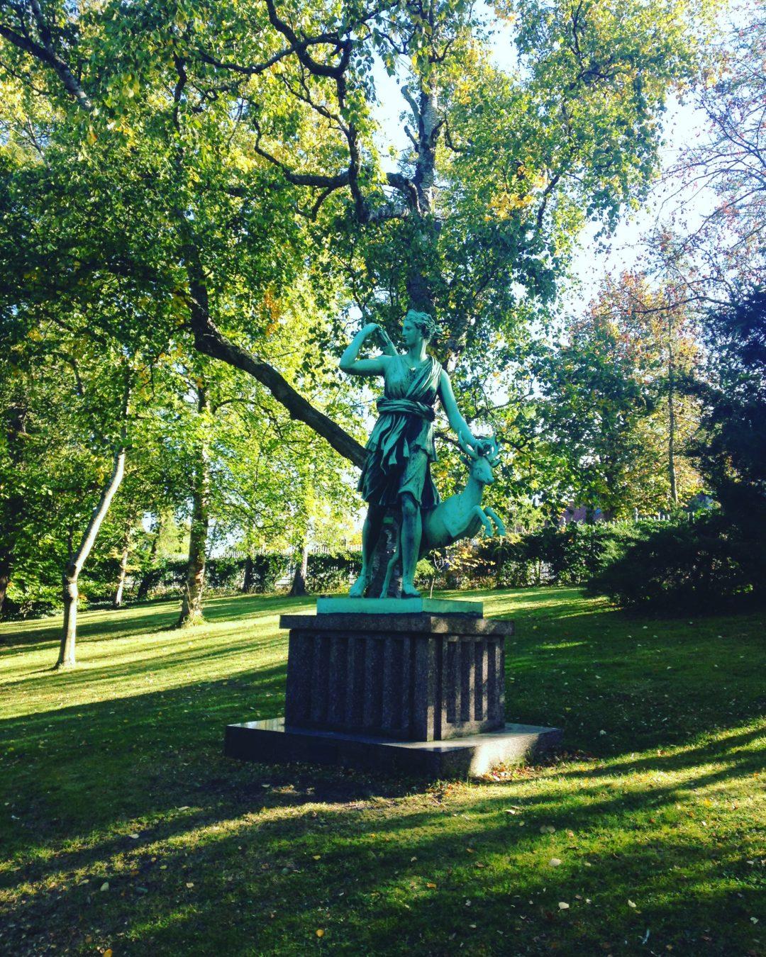 Statue jardin botanique botanical garden