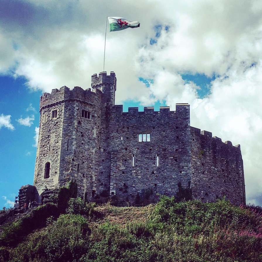 Cardiff Castle Chateau Pays de Galles Drapeau