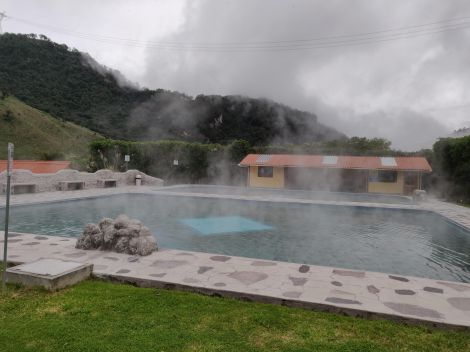 papallacta hot pools.jpg