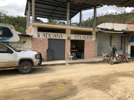 border crossing 2.JPG