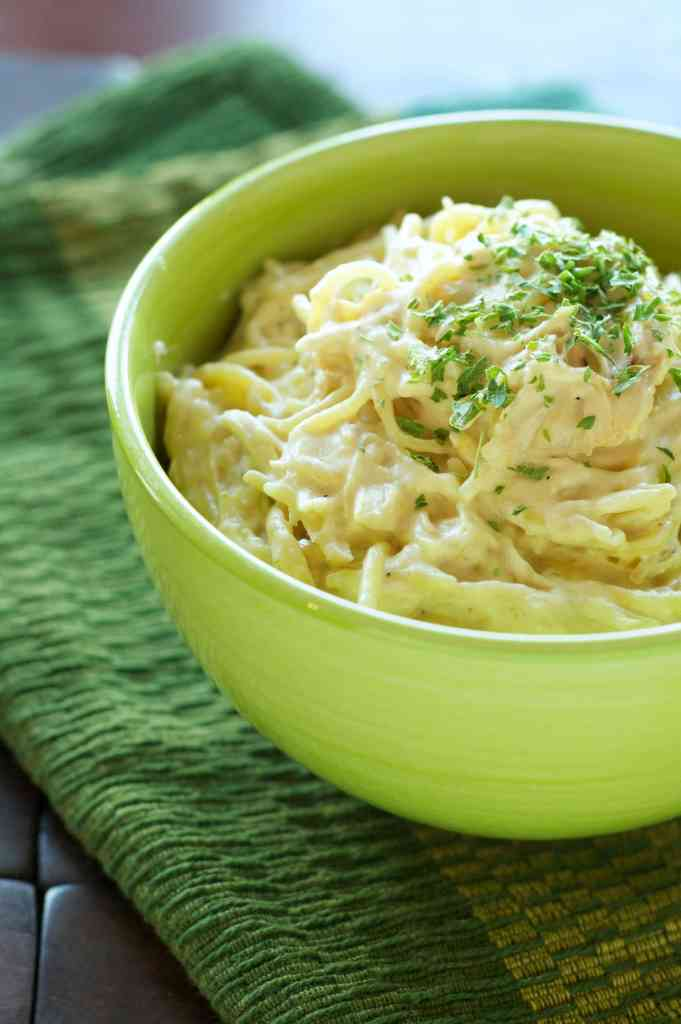Slow Cooker Creamy Cheesy Chicken Spaghetti