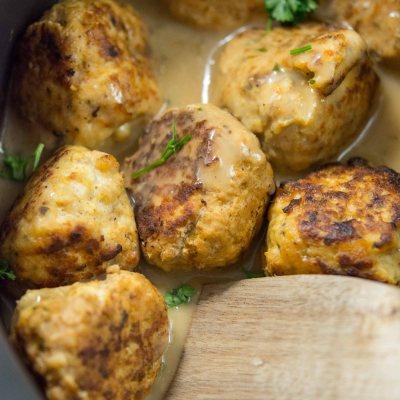 Slow Cooker Spicy Beer Can Chicken Meatballs