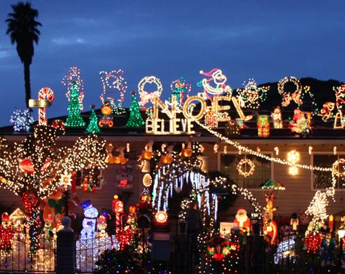 rombeiro_christmas_house