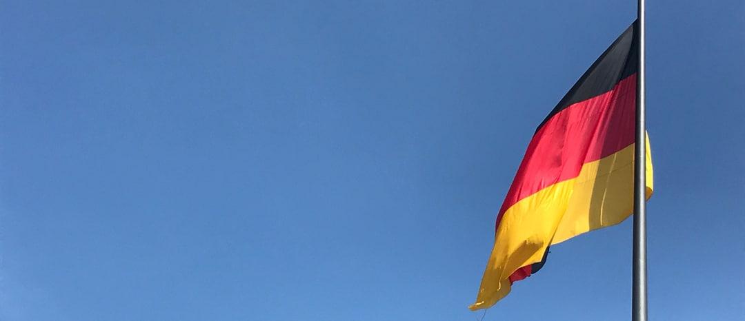 SG #145: Die deutsche Nationalhymne und Flagge