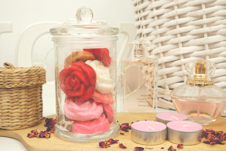 Jak zrobić mydło różane? Tani i efektowny sposób na upominek