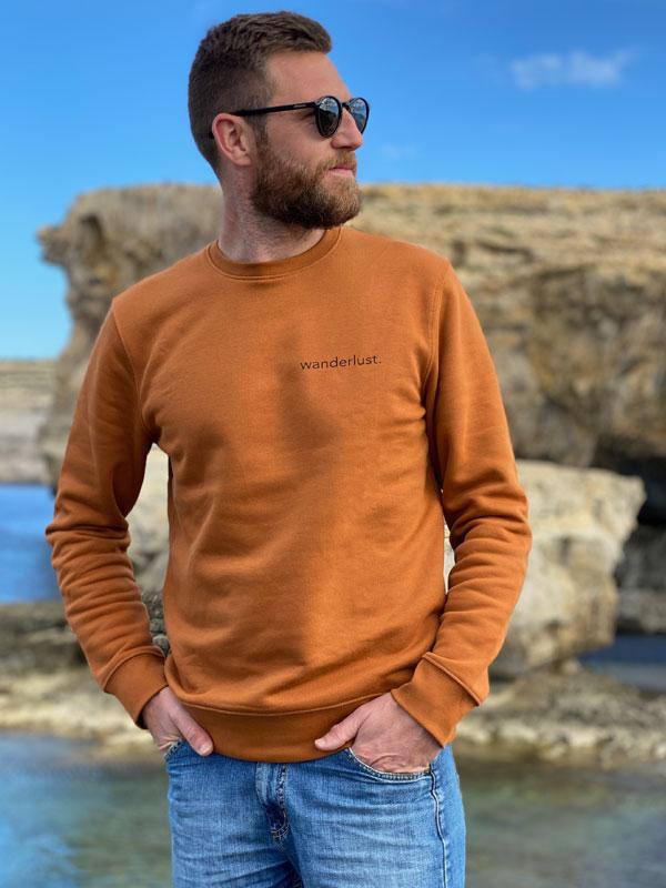 nachhaltiger-pullover-sweatshirt-wanderlust-3-slowli