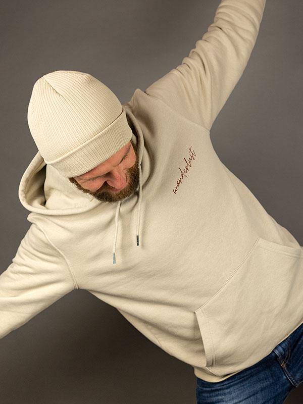 nachhaltiger-hoodie-wanderlust-beige-slowli_4