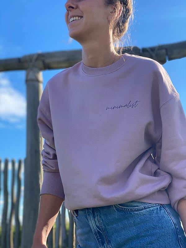 nachhaltiger-Pullover-minimalist-lila-fair-fashion-slowli_12