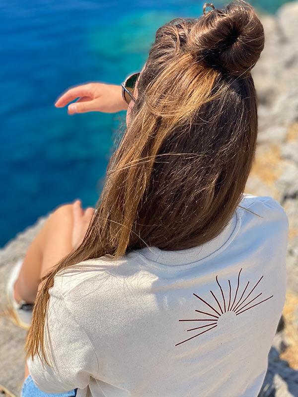nachhaltiges-Shirt-Fair-Fashion-T-Shirt-follow-the-sun-beige-slowli_6