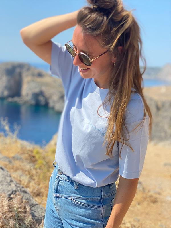 nachhaltiges-bio-baumwoll-shirt-minimalist-oversize-blau-slowli_2