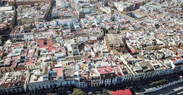 Aerial view of Triana neighborhood with S. Ana church