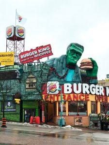 burger restaurant with hulk
