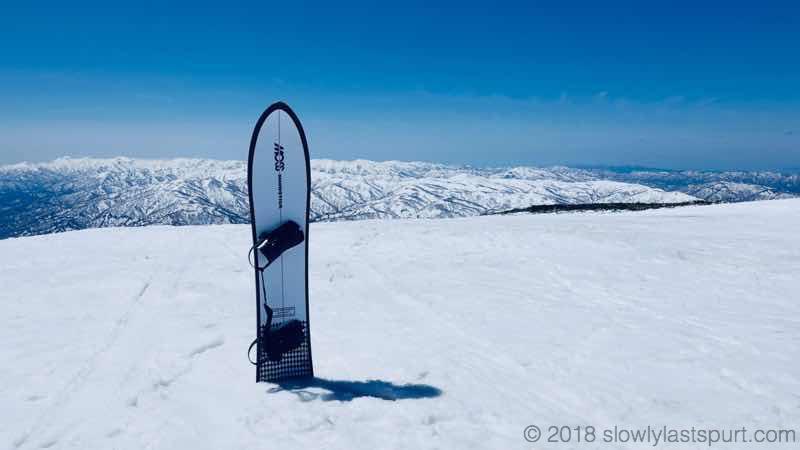 【MOSS SNOWSTICK U4 レビュー】雪質関係なく全地形を楽しめる板サブボードにオススメ