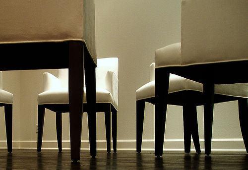 ©emdot [의자들], 2005년 (CC BY 2.0)