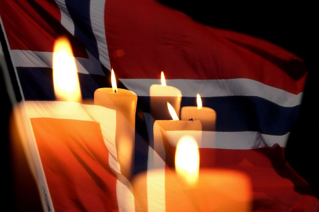 "L.C. Nøttaasen, ""Candles for Norway"", CC BY https://flic.kr/p/a6dgnr"
