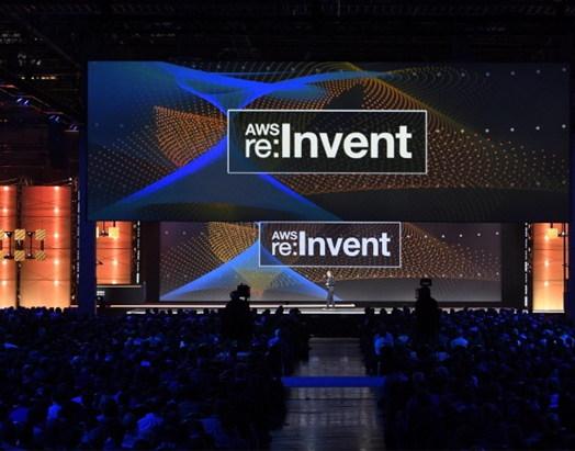 아마존은 '16년 12월 열린 개발자 행사 '리:인벤트(re:Invent)' 기간 중 자사의 클라우드 서비스인 AWS에 인공지능을 접목하겠다고 발표했다.
