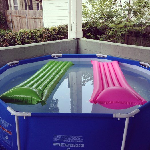 kiddie pool set up