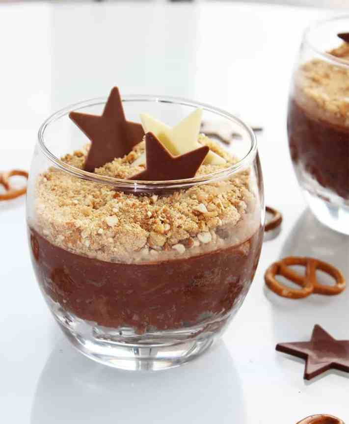 Pretzel Chocolate Pots are an easy no bake dessert. Creamy smooth chocolate topped with crunchy pretzel pieces