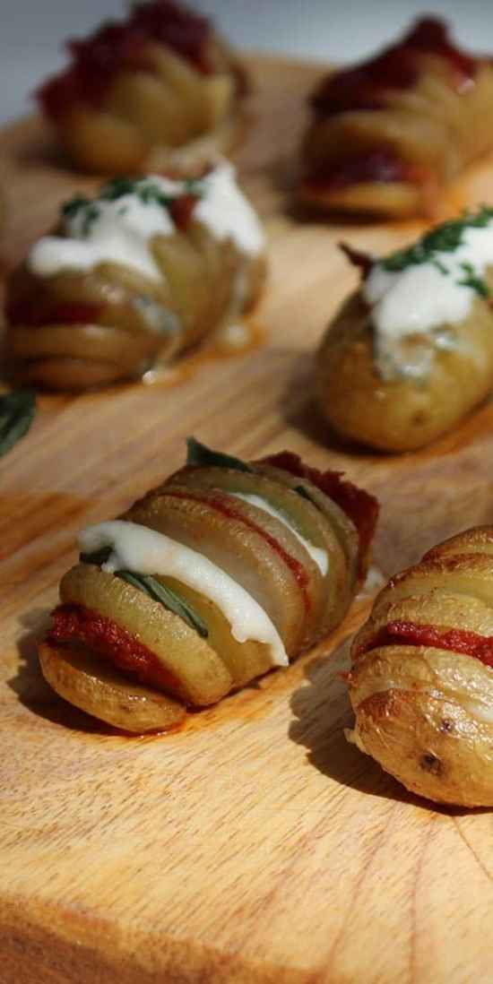 Mini Hassleback Potatoes, 3 ways! Easy to prepare and full of flavour. Perfect for summer parties and BBQ sides.
