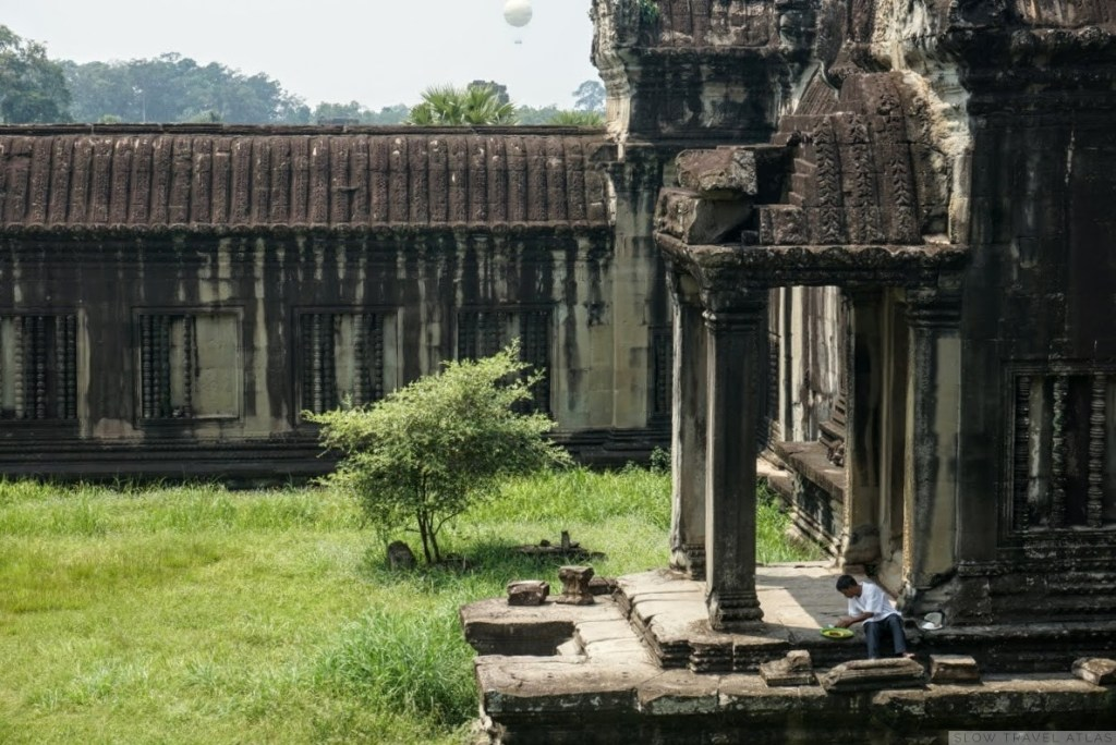 Angkor Wat side courtyard