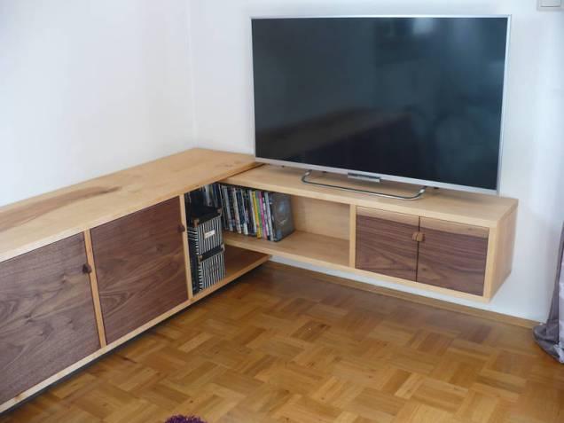 tv lowboard passt wackelt und hat luft auf dem holzweg unterwegs. Black Bedroom Furniture Sets. Home Design Ideas