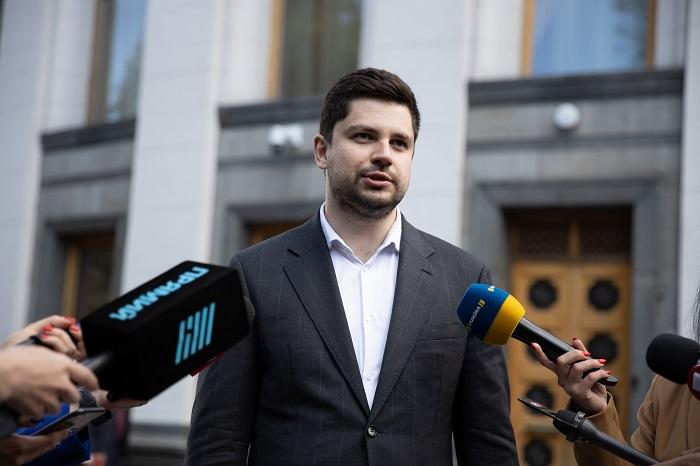 Правоохоронці порушили кримінальну справу за фактом нападу на депутата від фракції «Слуга Народу» Олександра Качуру