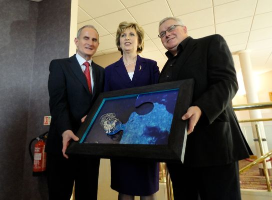 Irish President Mary McAleese with artist Ian Fleming