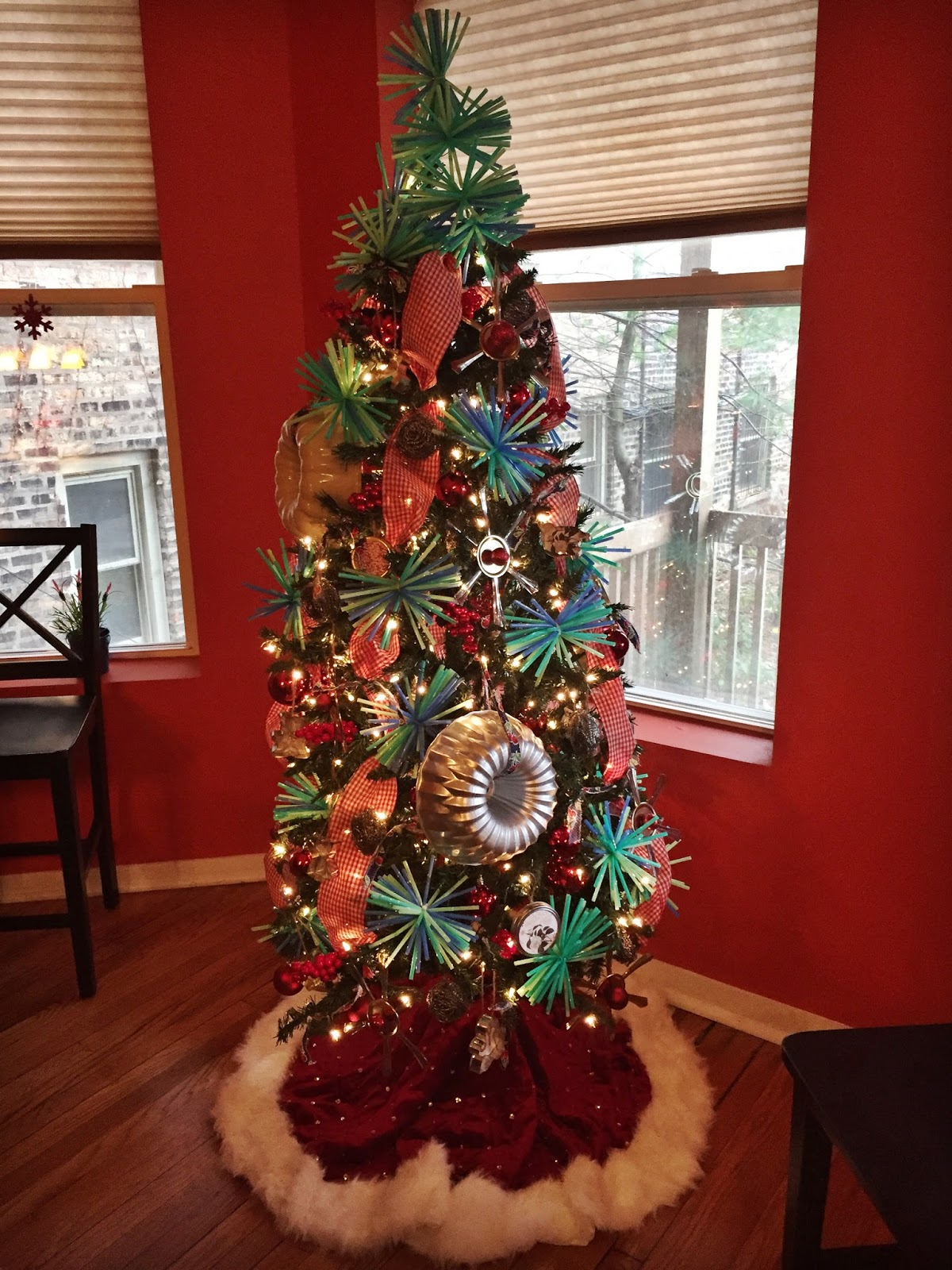 Kitchen Christmas Tree | Slumbering Alligator