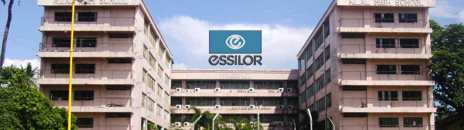 Essilor Visits Rizal High School
