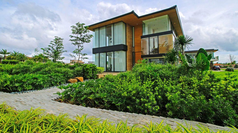 Filigree residence