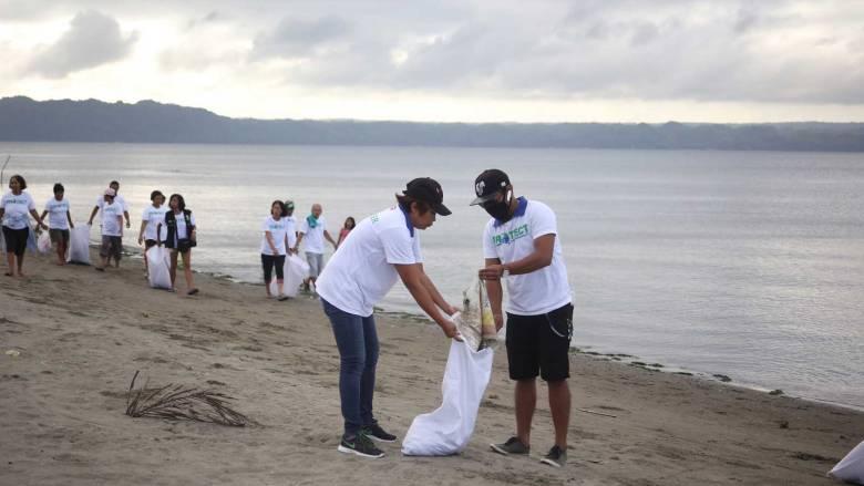 The beach cleanup underway