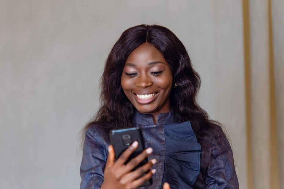 Model learning how to remain relevant on social media