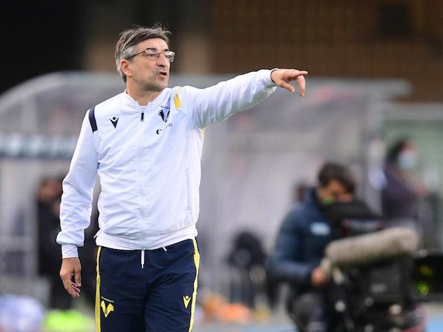 Hellas Verona coach Ivan Juric reacts on November 22, 2020