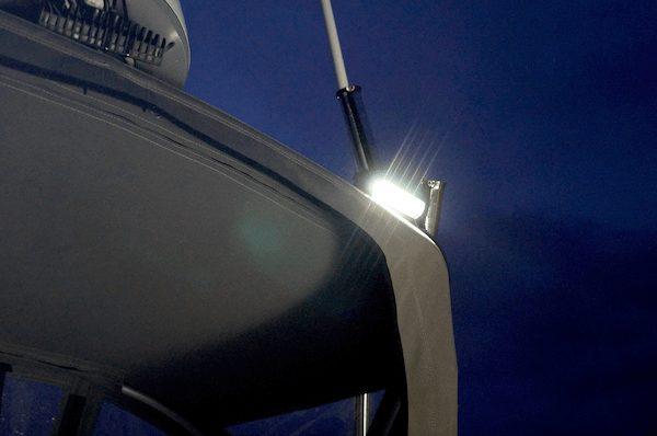 Arbejdsbelysning og led-lygter på båden