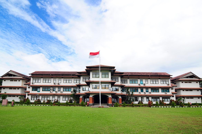 Hasil gambar untuk Sekolah Di SMA Dwiwarna