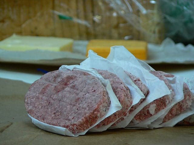 اللحوم المعلبة