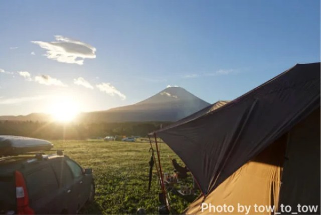 ふもとっぱら 富士山 日の出 サーカスTC スクエアエヴォpro 小川張り
