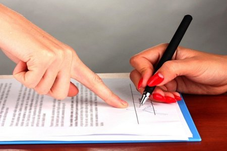 Make a Contract  3 Contract Agreements Small Businesses Should Have     After all  formalities just slow things down and  as a small business  owner  you ve got countless other things to do with