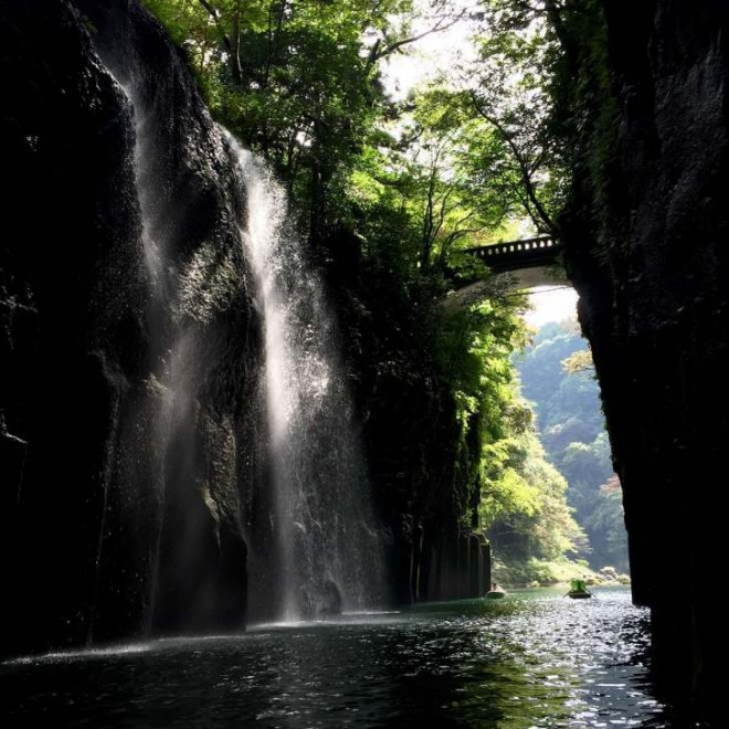 04 Gayle-T.-Takachiho-Gorge-Japan-728x728