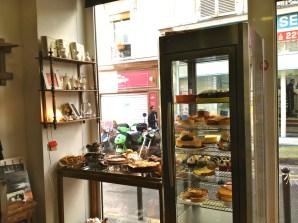 vitrine salon de thé À La Volée (c) Ea Marzarte