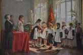 Be dwarfed by Socialist realism art