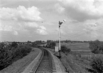 1st Herts Railtour 20 Abbey Stn Home Signal ©