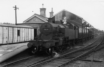 Abbey Stn 10 1951 short canopy Loco No 40020