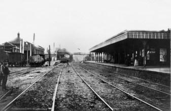 Hatfield 1870 St Albans Platform ©