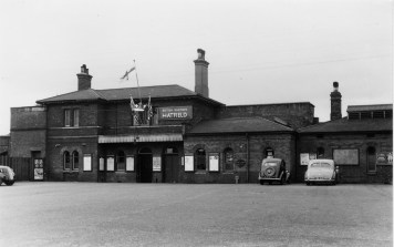 Hatfield Stn Forecourt 1953