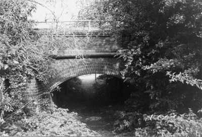 Rly Bridge 4 over footpath nr Cottonmill Lane
