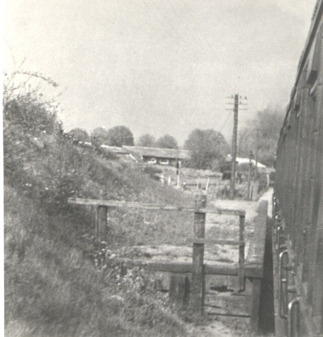 Sanders Halt 5 from passenger train 1950